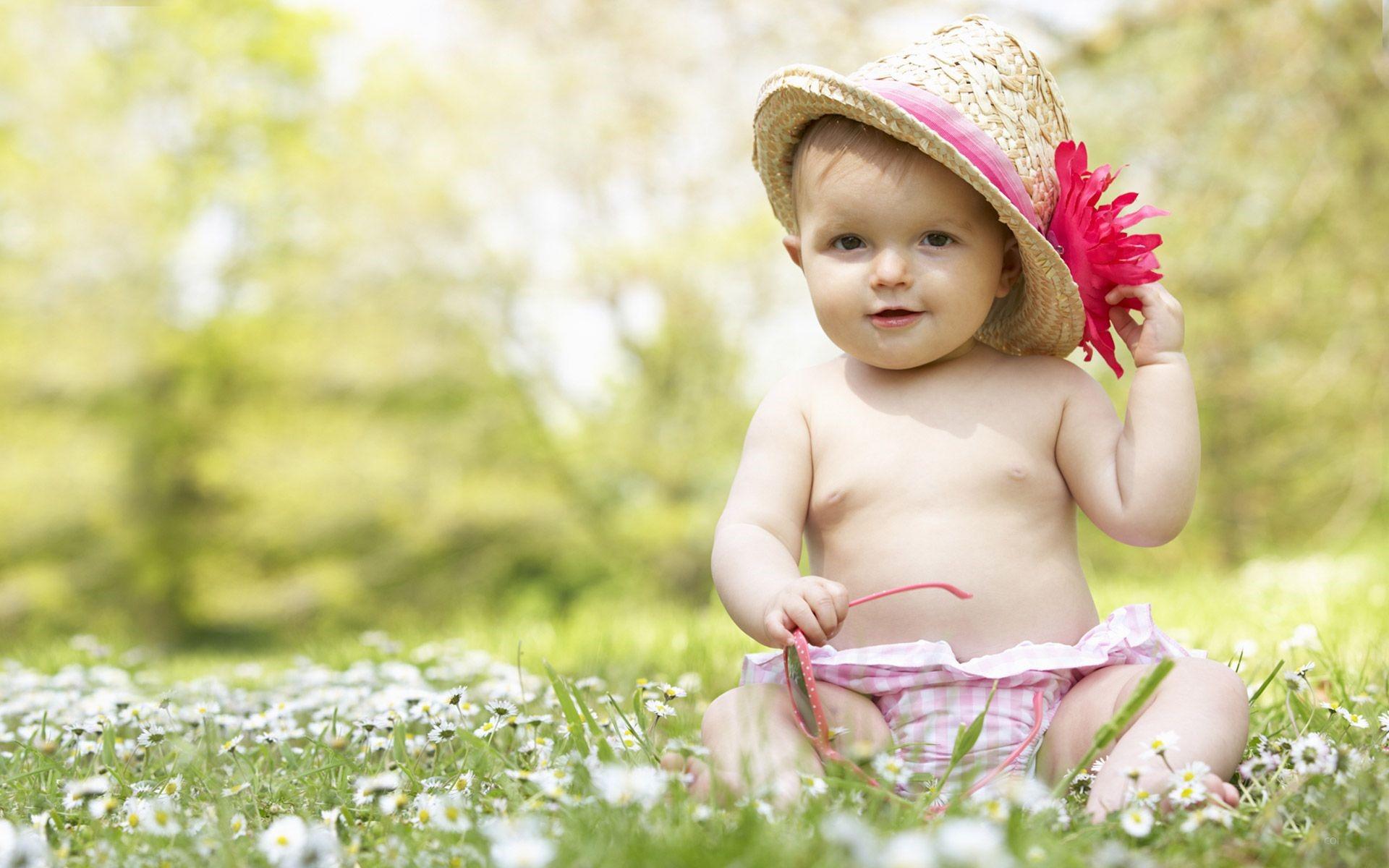 Manzaralı Bebek Resimleri