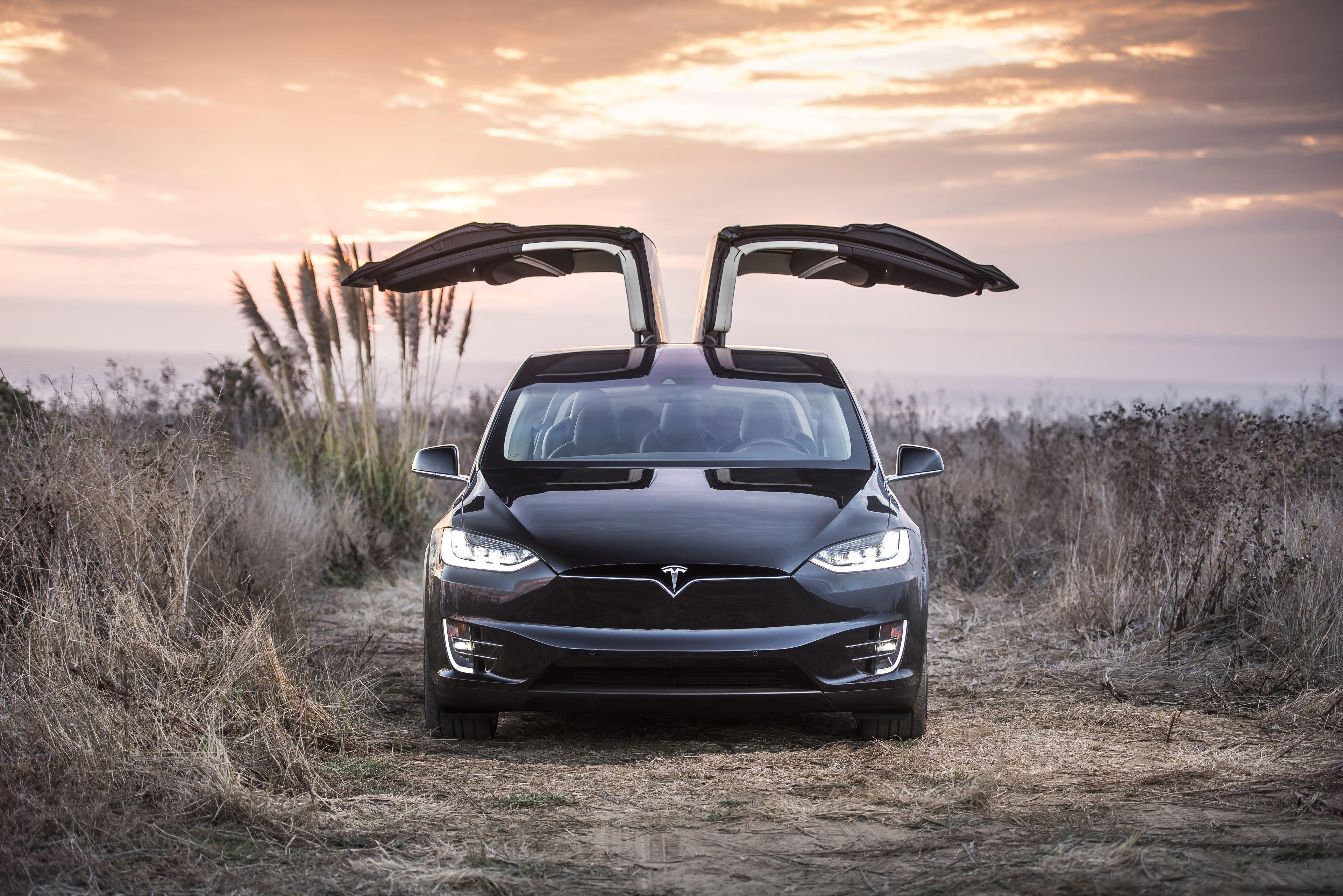 Tesla hd resimleri