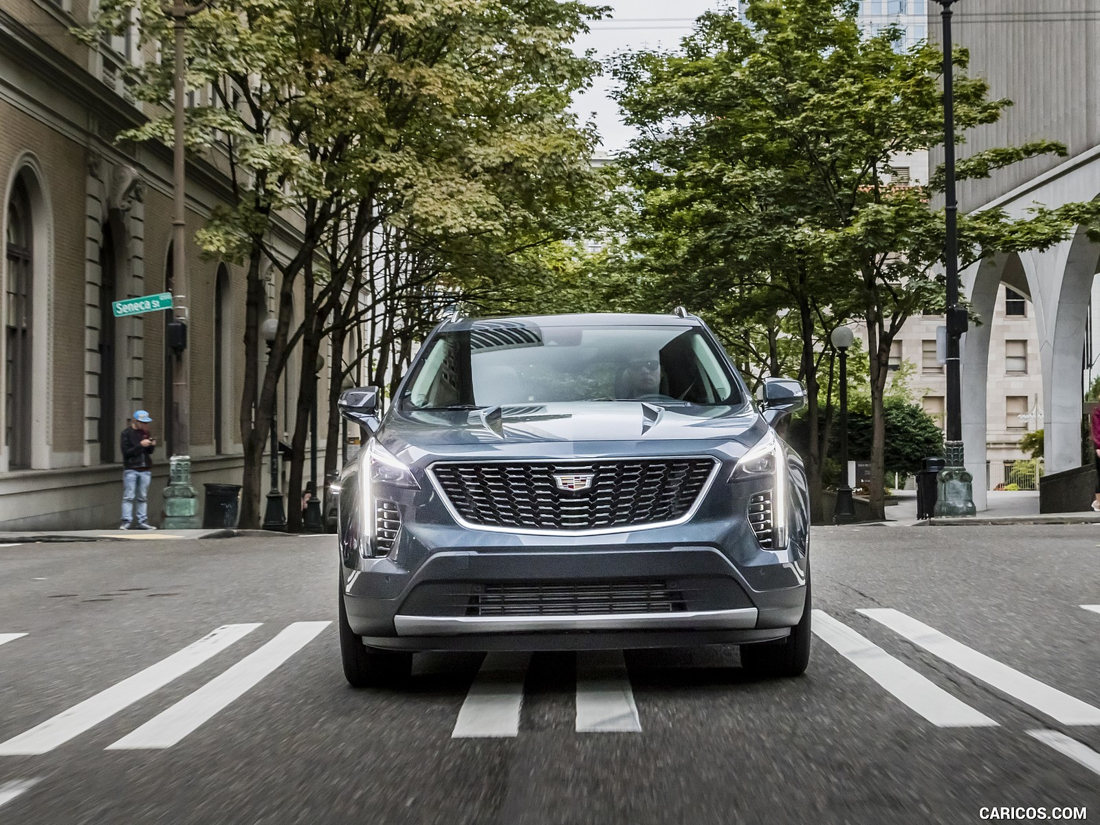2019 Cadillac XT4 8k wallpaper
