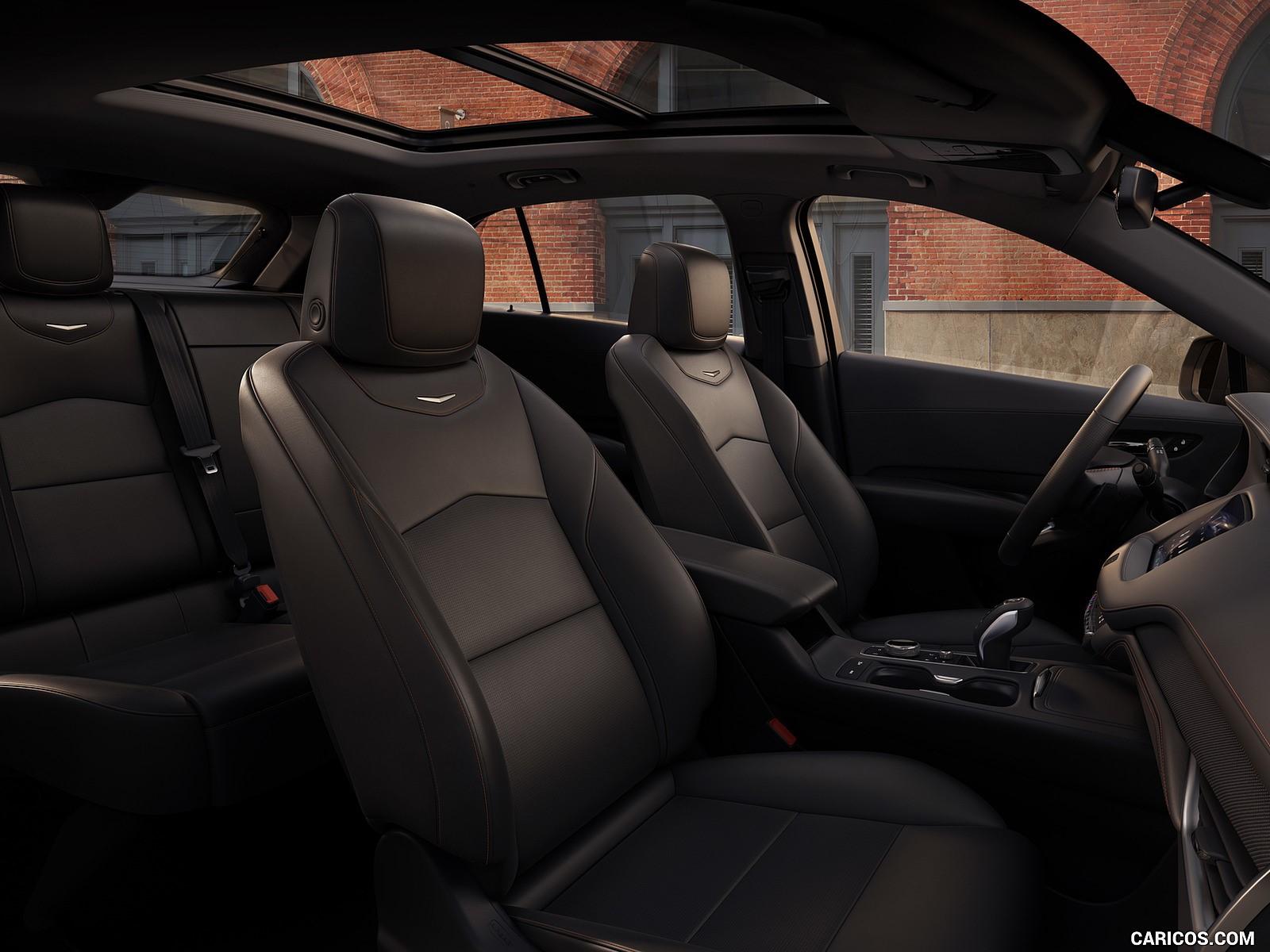 2019 Cadillac XT4 hd ekran resmi