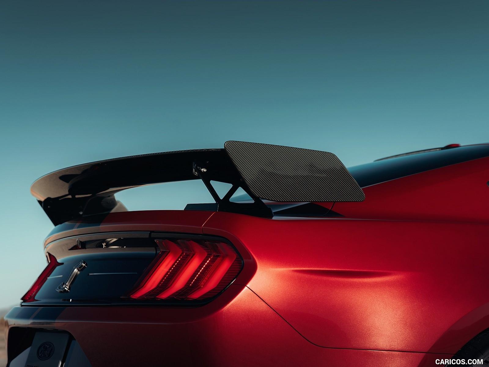 Ford Mustang Shelby 12k fotoları