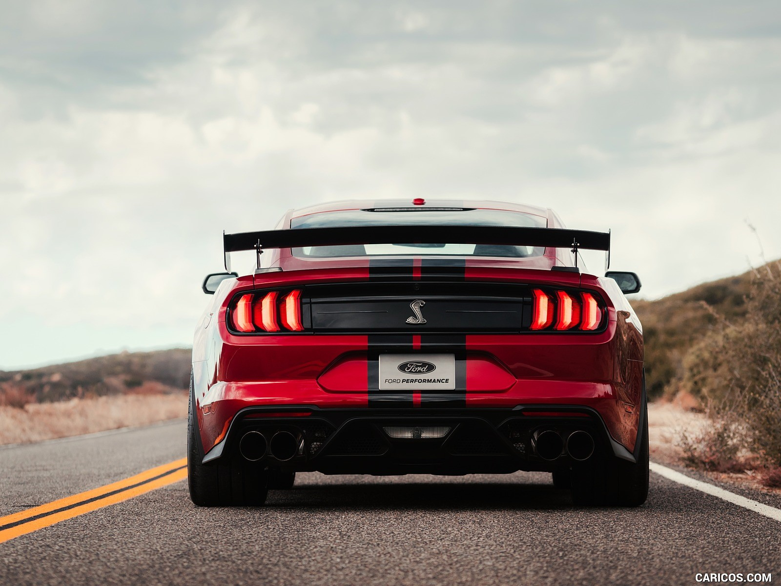Ford Mustang Shelby 2k resim
