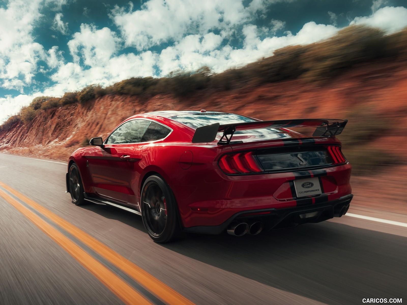 Ford Mustang Shelby 2k resmi