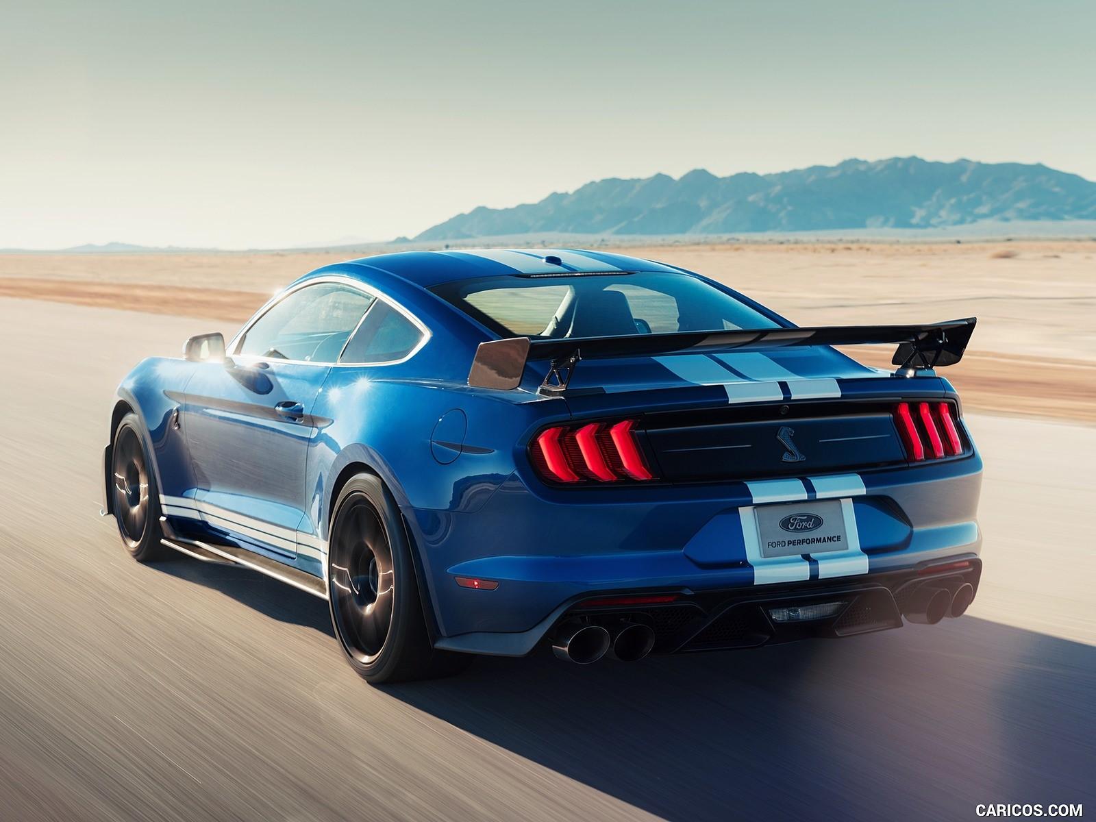 Ford Mustang Shelby resimleri 1