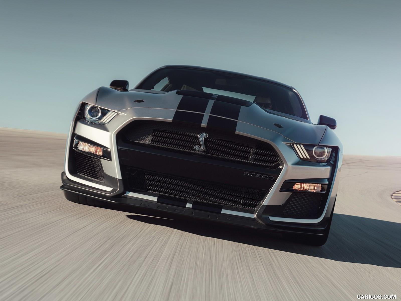 Ford Mustang Shelby resimleri