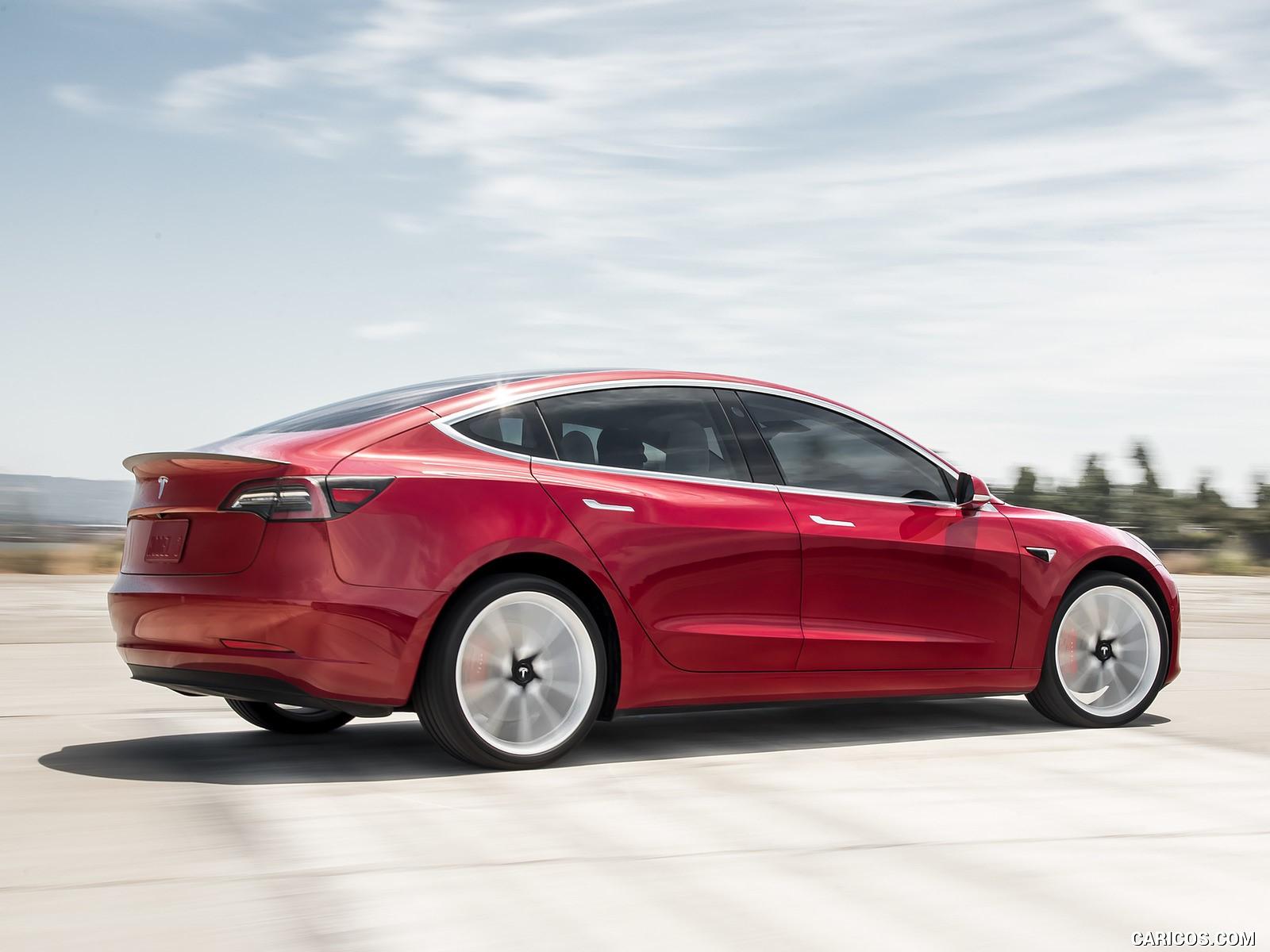 Tesla Model 3 görseller