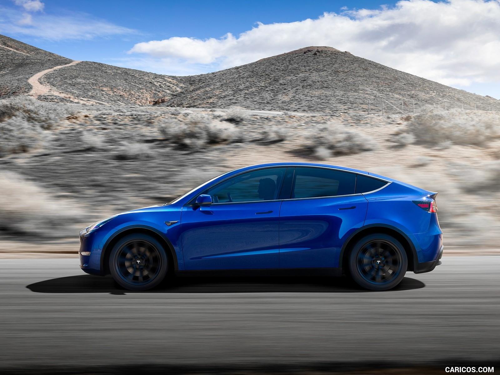 Tesla Model Y görseller