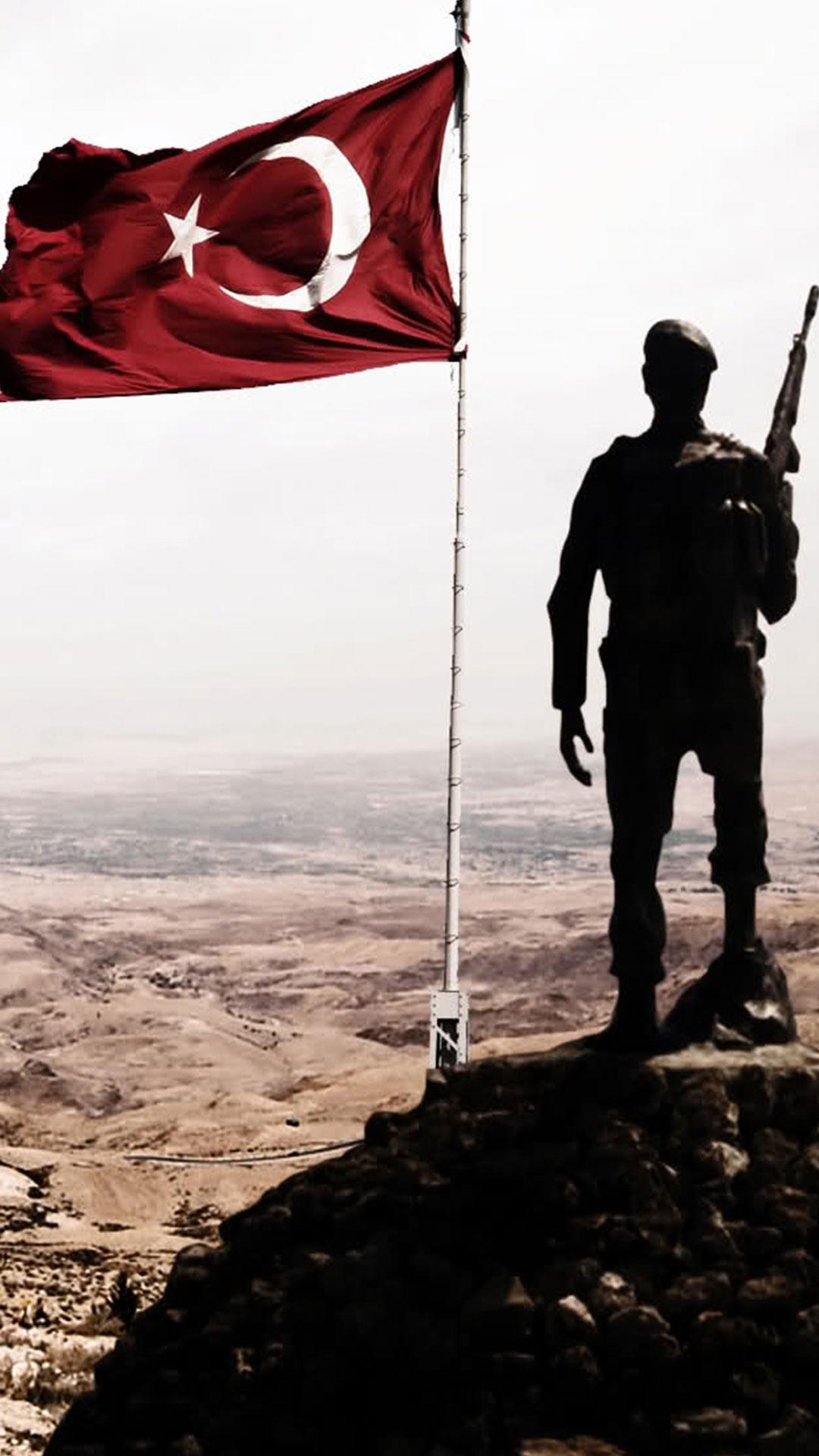 Türk Askeri Bayraklı Resim