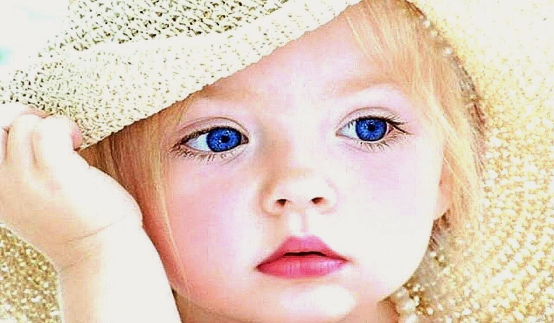 ok Tatlı Kız Bebek Resmi