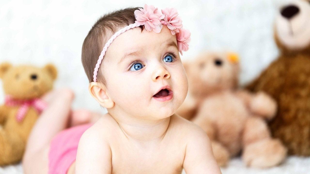 Mavi Gözlü Kız Bebek Resimleri